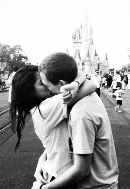 kissingeverysinglenight:  trustinq:  This is just too cute  Black and white couples blog