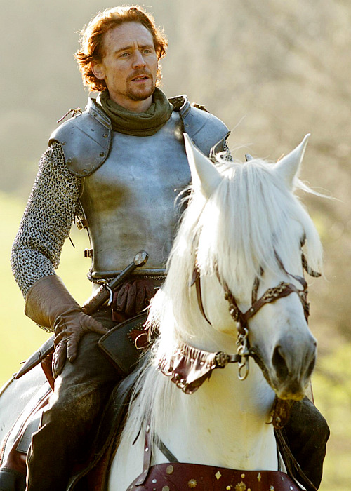 whineandbeer:  Tom Hiddleston's Henry V was the sexiest thing I've ever seen in my damn life.  Truth.