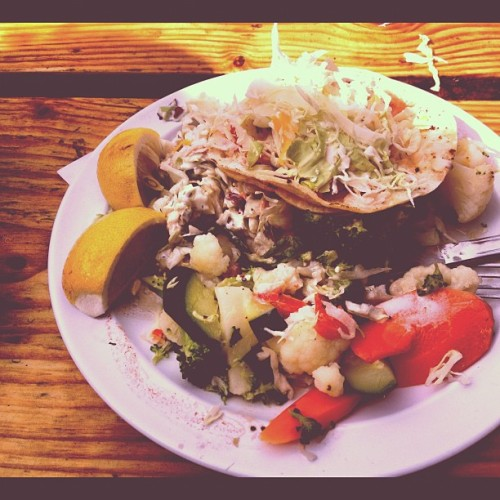 Day 278 of 366 fish taco entree (I had already dug in!) #malibu #reelinn #fishtacos #food #foodgasm #foodporn #project366 #photootd #photooftheday #instagram #instagrammers #igdaily  (Taken with Instagram)