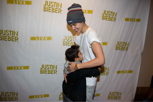 princ3ssbieber:  acr0sstheoce4n:  CUTEST THING EVER  princ3ssbieber:  this is fucking adorable ok, i'm crying, this is perfect.