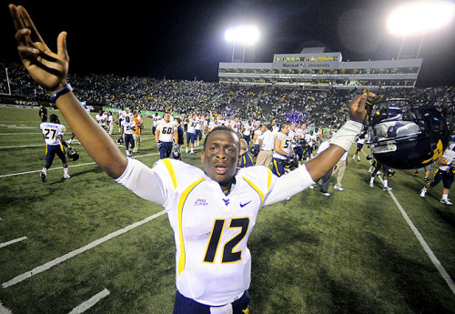 Geno Smith tosses 4 more TD's as WVU tops Texas in shootout