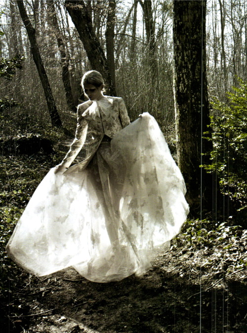 chiffonandribbons:  Marie Piovesan, Valentino Haute Couture, Vogue Italia March 2012 Photographed by: Deborah Turbeville