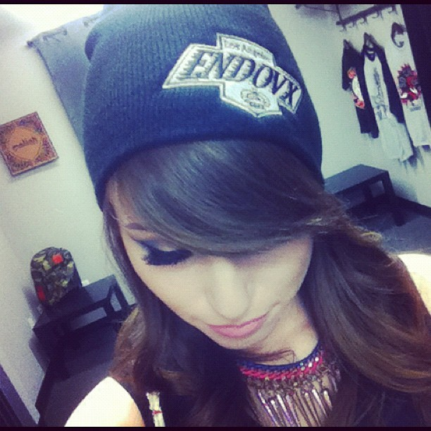Champs logo @endovx beanie!!!!! Inspired by @lakingshockey ☺😍😁😎💎💙 #cholita #hoodrat #thuglife #beanie #kings #la #blackandsilver  (Taken with Instagram)