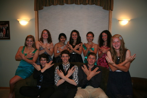 leahnovik:  My friends and I had our homecoming tonight(: DFTBA! (I'm the girl in the very middle!)