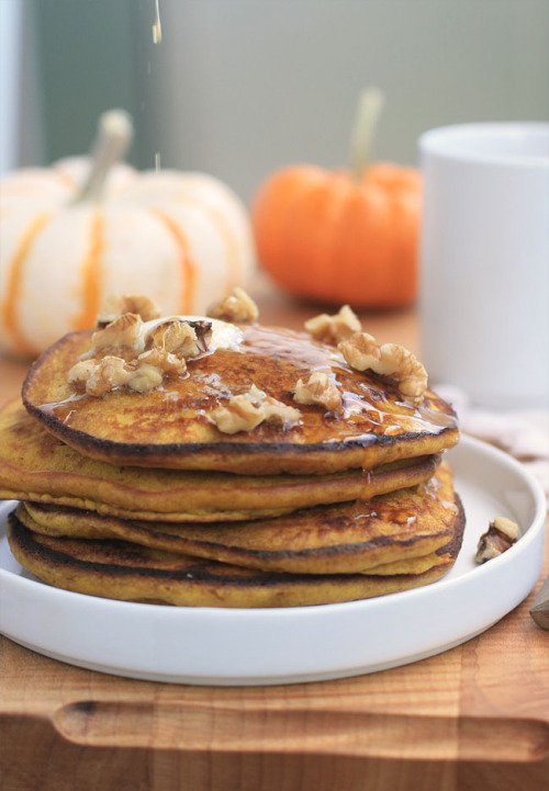 bkfst:  (via Gluten-Free Pumpkin Spice Pancakes | Girl Cooks World)  feeling hungry? don't go here!