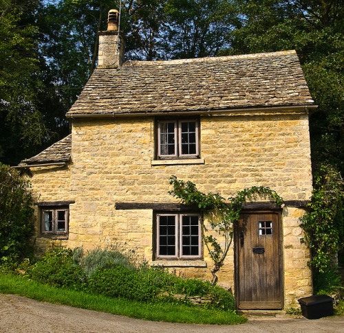 Cottage at Bibury in Gloucestershire by Anguskirk on Flickr.