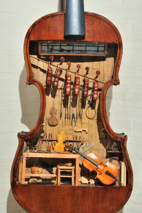 cmuseorg:  The oldest documented violin to have four strings, like the modern violin, is supposed to have been constructed in 1555 by Andrea Amati. Here is a list of some of the most famous violin makers of the past, and their individual labels. It's good to know them in case you ever stumble across some old violin. You never know.. :)