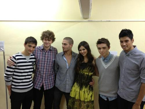 Wzra Tv, The Wanted With Victoria Justice