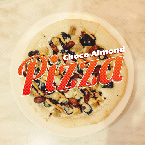 Food : Choco Almond Pizza | Type : Lobster & Bemio | Cuisine : Italian