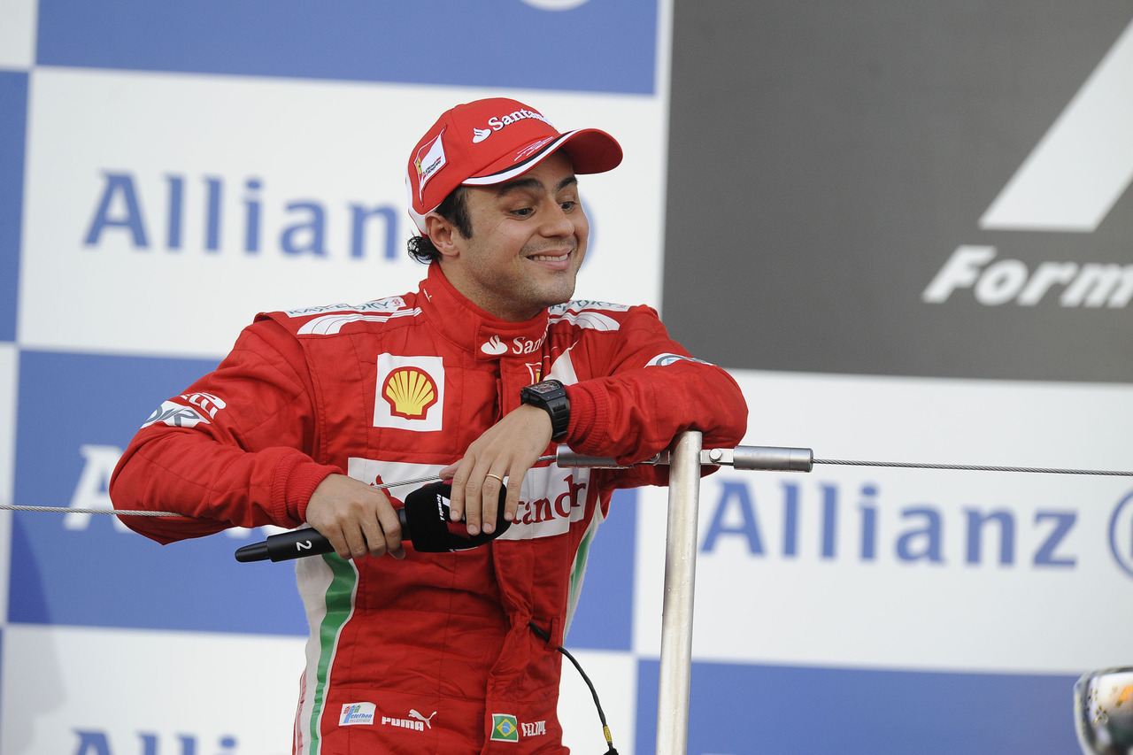 Yay Felipe Massa in second place :) I'm happy for u