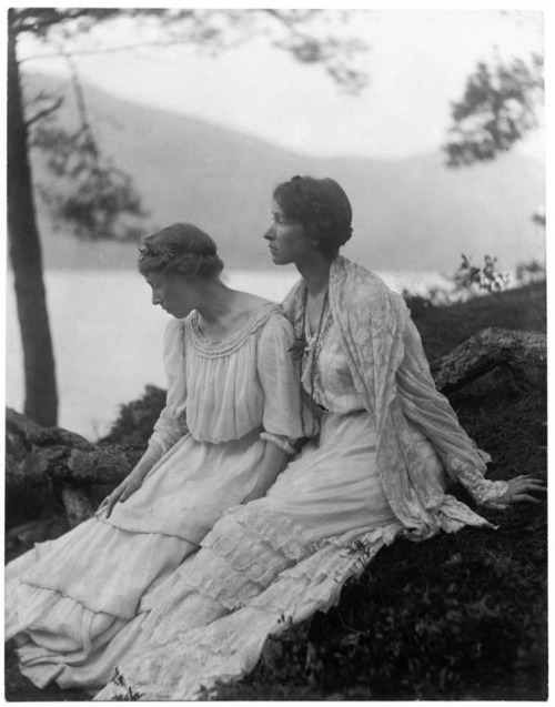 Two women under a tree by Alice Boughton, 1906