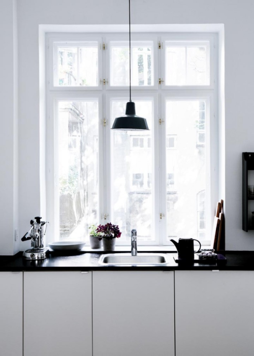 sink + window = love (via 79 Ideas)
