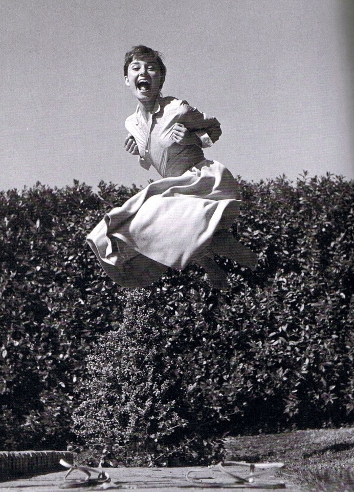snapshots71:  Audrey Hepburn on the air!!