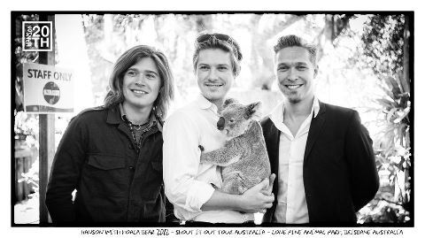 It's HANSON and a KOALA!!! My life is complete <3