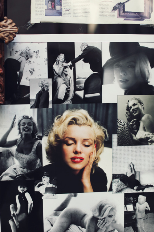 shitful:  Photographs of Marilyn Monroe in Le Marais, Paris.   the booty shot in the bottom right tho. no cakes. lol she's still gorgeous.