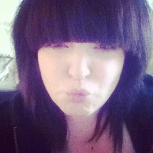 sparkfiresxx:  I went and did it didnt i……#fringe #hair #emo (Taken with Instagram)  NEW HAIR.
