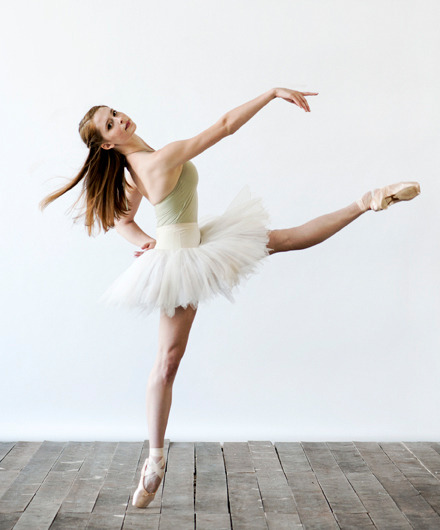 d-a-n-c-e-b-l-o-g:  Emma Hawes- The National Ballet of Canada