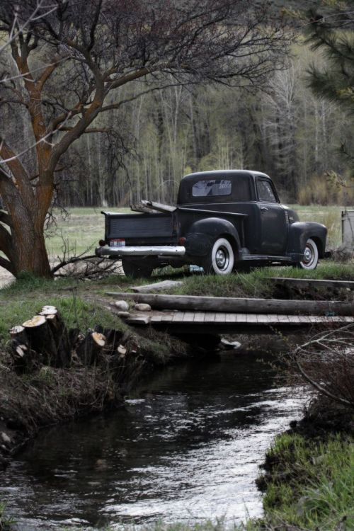 tweedsandtales:  Old school is the best new school  Future truck.