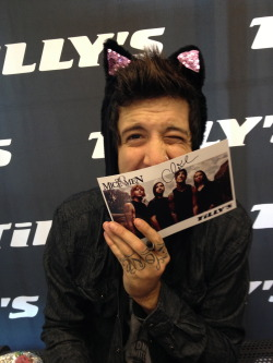 brynnebvb18:  sisky:  i gave austin these cat ears last night and he let me take a picture sobs  asklaflkadlkf he is beautiful<3