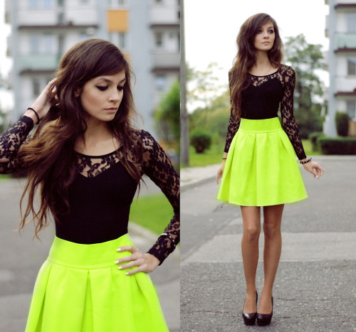 lookbookdotnu:  Black Yellow Betty (by Sonja Gje)