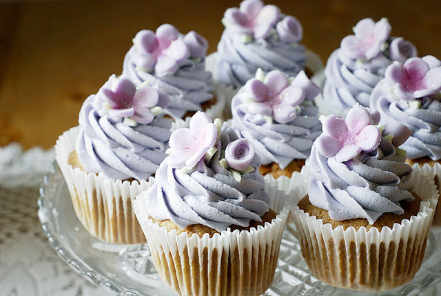 thecakebar:  Earl Grey Tea Cupcakes! (recipe)