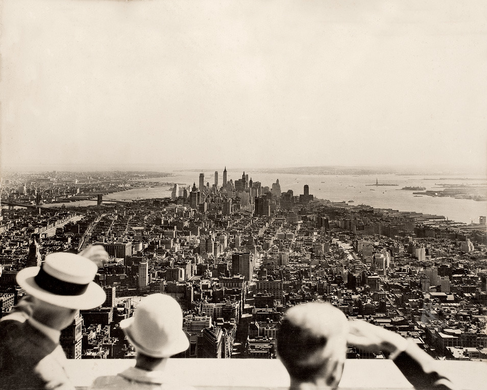 Opening day of the Empire State Building. New York, 1931. By Samuel H. Gottscho