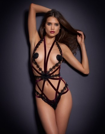 This bewilders me. But I can't look away. ilikelingerie:  Agent Provocateur.