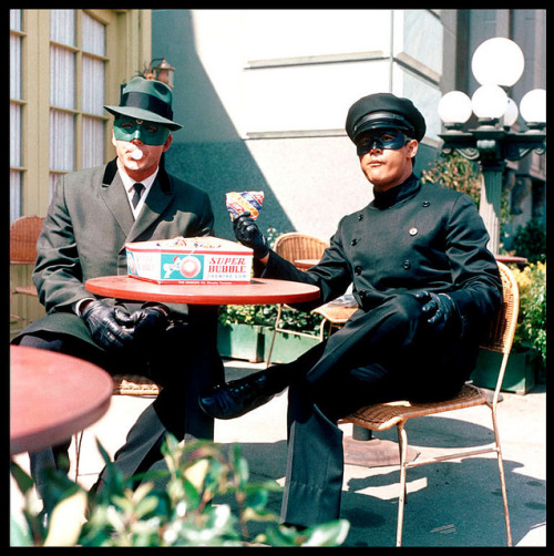 The Green Hornet & Kato enjoy Super Bubble on the set… (1966)