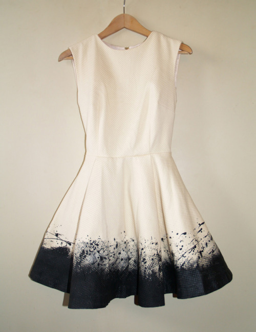 littlecraziness:  (via Dare to DIY in English: DIY dress: Pollock Impulse)    wannnt,
