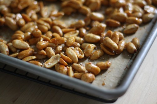 Snackgasm: Spicy Honey Peanuts.