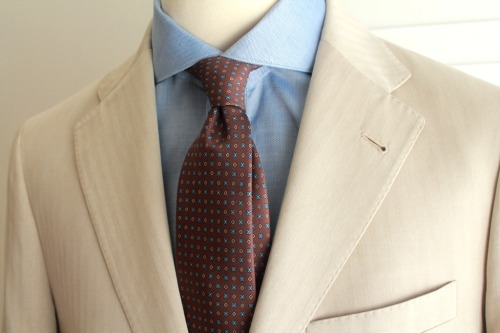 Brown printed silk 7 fold tie. Un-tipped with hand rolled edges and hand made in Naples. $99.95 AUD.Cutaway collar barrel cuff shirts, made in Italy coming soon.