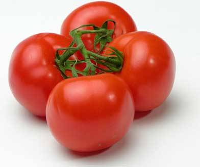 Cooking Tip: Tomato Substitutions • 3 medium globe tomatoes = 1 pound• 8 small plum tomatoes = 1 pound• 25 to 30 cherry tomatoes = 1 pound• 2 cups chopped tomatoes = 1 pound• 3/8 cup of tomato paste plus 1/2 cup water = 1 cup tomato sauce• 1 cup canned tomatoes = 1-1/2 cups fresh, chopped, cooked tomatoes• 1/2 pound or 1 tomato = 1 serving• 1 cup firmly packed fresh tomato = 1/2 cup tomato sauce plus 1/2 cup water• 1 pound fresh = 1-1/2 cups chopped• 1 (16-ounce) can = 2 cups• 1 (35-ounce) can = 4 cups undrained• 1 (28-ounce) can = 3 cups undrained
