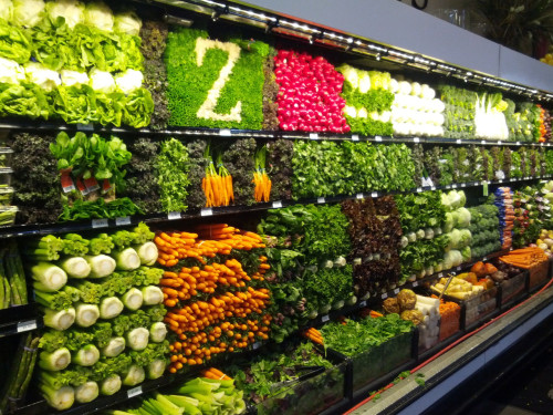 thingsorganizedneatly:  ed: I get a lot of produce aisle submissions, but this is the most impressive one I've seen. Look at that celery grid, bottom left of the photo. And the Z at the top is above and beyond! Bravo, Zupans.  Thanks to Public Planet for the tip.  I would die.