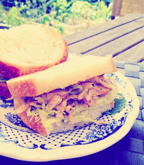 Non-supermarket produce elevates a simple sandwich to an exquisite meal.  My old fashioned chicken sandwich is how I imagine things used to taste before large scale agri biz fed us. Even then, it was probably a bit posh.  I used leftover roasted Milawa Free Range chicken, homemade whole egg macadamia mayonnaise with dried homegrown sage & majoram, spring onion, the occasional hint of apple mint, with iceberg lettuce on sourdough wholewheat white bread.   I ate it outside because a simple exquisite meal is often best appreciated with a backdrop of bird song and fragrant floral Spring air.