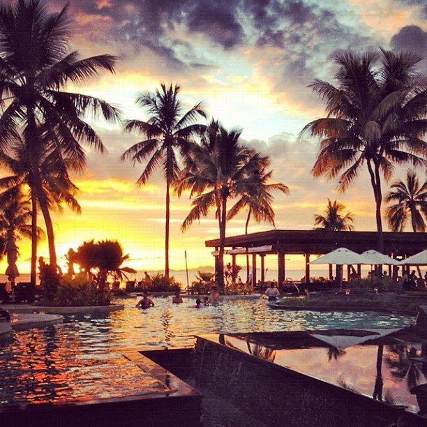 jol-ie:  Amazing sunset in paradise (Taken with Instagram)