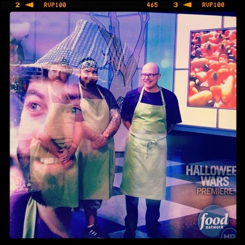 @foodnetwork #halloweenwars GO MANIACS!!! (Taken with Instagram)