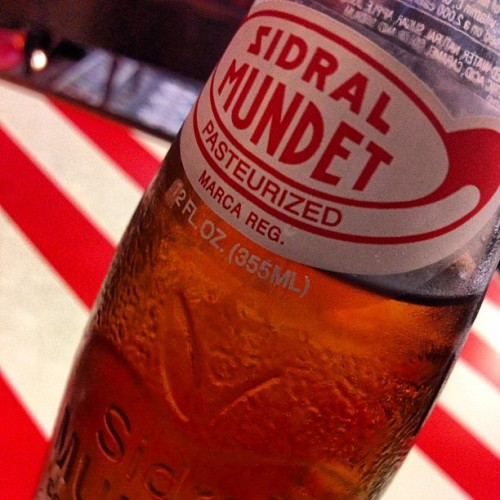 #mundet #mexicanfoodporn #apple #soda #sugar #delicious #mexico #mexican  (Taken with Instagram)