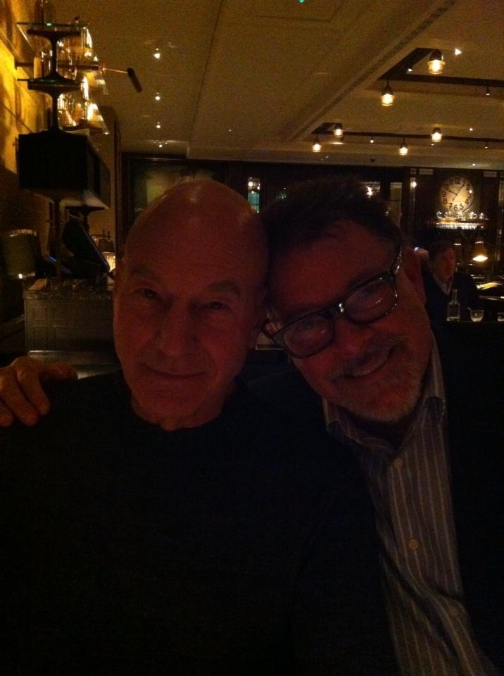 suicideblonde:  Jonathan Frakes tweeted this picture of him and Patrick Stewart hanging out together on Sunday and every time I look at it my heart gets so filled with nerdy love I think it might burst.  KISS HIM!