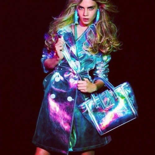 Holographic #fashion #color #leather #accessories #Blumarine #plaztikmag  (Taken with Instagram)