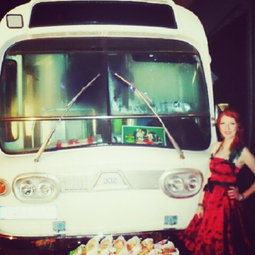 Bar bus!!!   #me #gpoy #fifties #rockandroll #rockabilly #bus #barbus #red #redhead #redhair #dress #night #reddress #fun #vintage #style #fashion #oldtime  (Taken with Instagram)