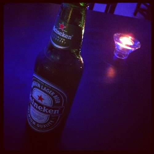 Wanna drink? 🍻 #beer #heineken #chill #drunk  (Taken with Instagram at BEUU BANGKOK (บิ้ว))