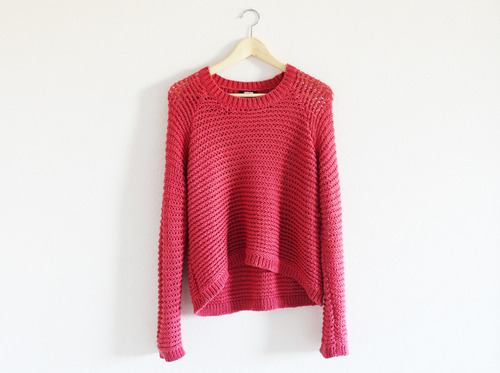 forever-and-alwayss:  ack ! I want that sweater, ♥