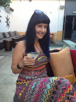 slackmistress:  BLOGGED!  This is What 40 Looks Like. - the slack daily  Happy birthday to my wife Nina!