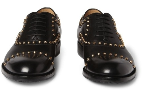 cococosmo:  Gucci Studded Leather Oxford Shoes   $810 Gucci Studded Leather Oxford ShoesView Postshared via WordPress.com