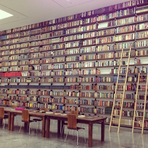 mskianga:  WOW rebeccataylorny:  Theaster Gates's 9000-volume library of the history of black American culture (Taken with Instagram at White Cube)