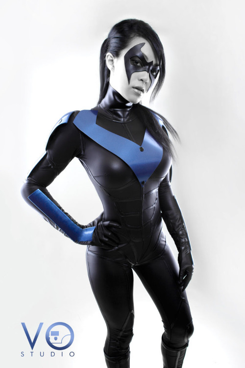geeksintights:  Lady Nightwing Cosplay Batman Arkham City Version by *VampBeauty