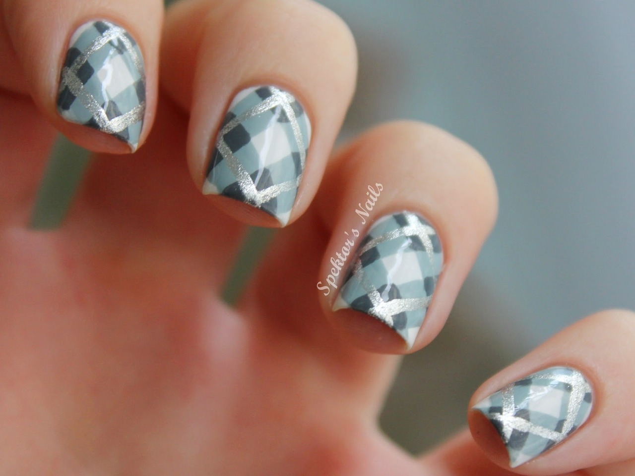 spektorsnails:  Plaid Nails