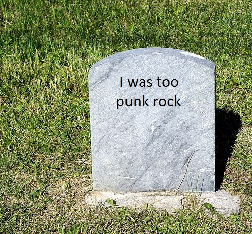 arefalloutboybacktogetheryet:  A photo of avril lavigne's grave, wow haunting, no? ?? ?