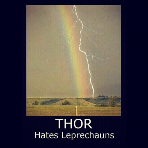 I just think #Thor doesn't like #Mondays either. #leprechaun just in wrong place at the wrong time? #lol #funny #Marvel #Avengers #MotherNature #LOLporn #skyporn #cloudporn  (Taken with Instagram)
