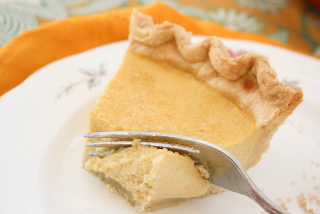 yummyinmytumbly:  Buttermilk Maple Pie